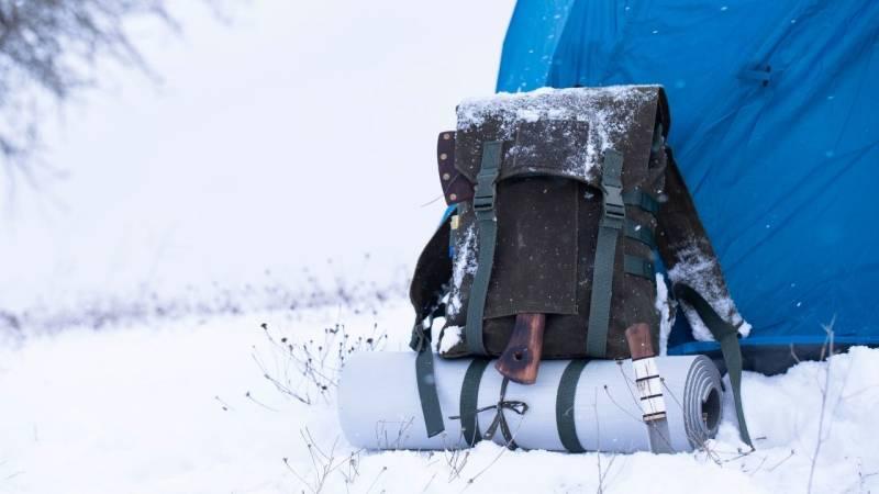 10 Bushcraft- und Survival-Fertigkeiten, die du diesen Winter ausprobieren solltest