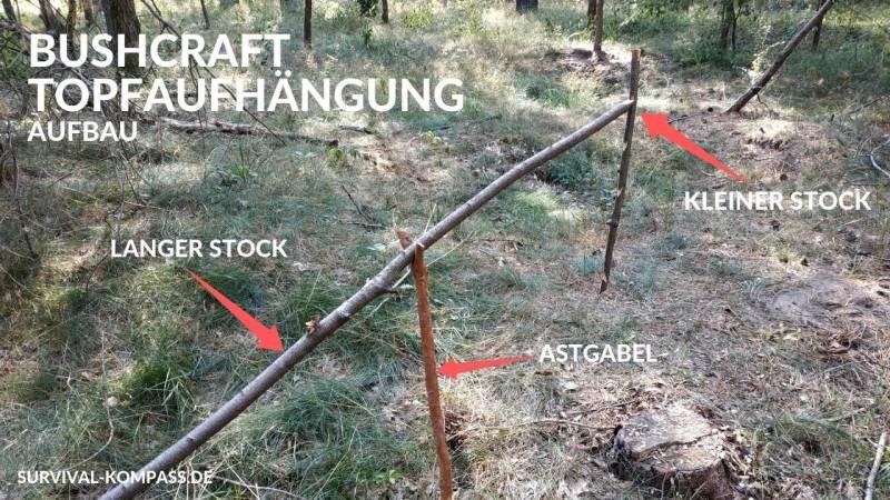 Eine klassische Bushcraft-Struktur: der Topfaufhänger für dein Lagerfeuer
