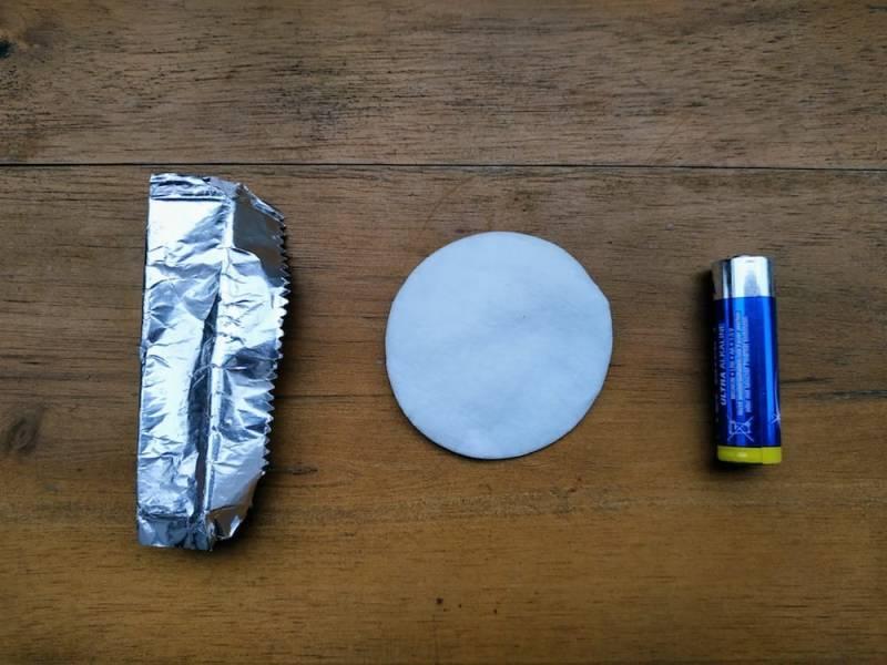 Batterie, Watte, Kaugummipapier