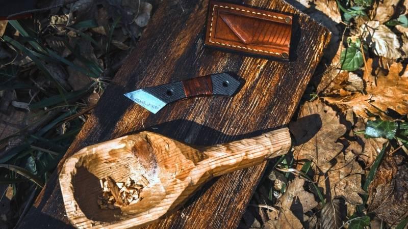 19 Bushcraft Ideen, die garantiert deine Fähigkeiten schärfen und Spaß im Wald bieten