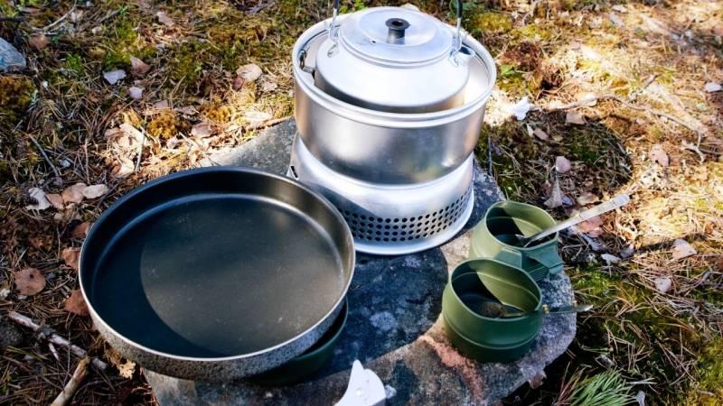 Ein stabiles Kochset ist beim Zelten und beim Camping Pflicht