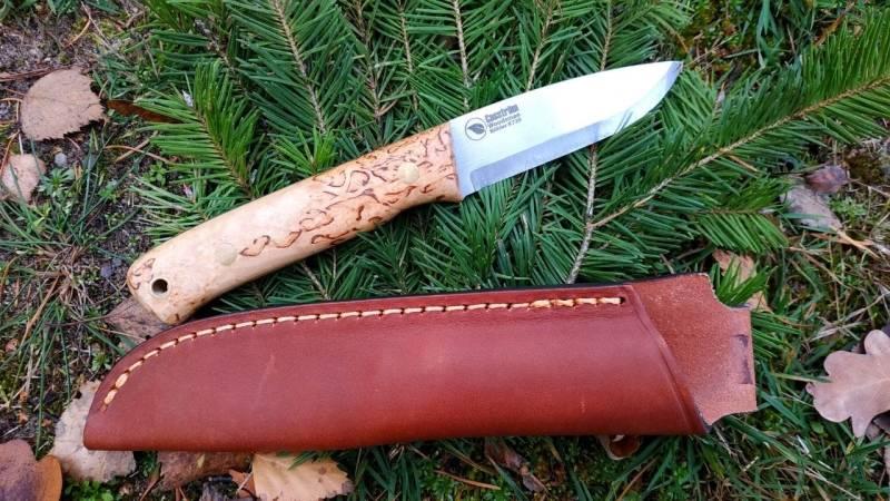 Ein robustes, scharfes Messer und eine starke Messerscheide sind ideal für den Einsatz in der Wildnis