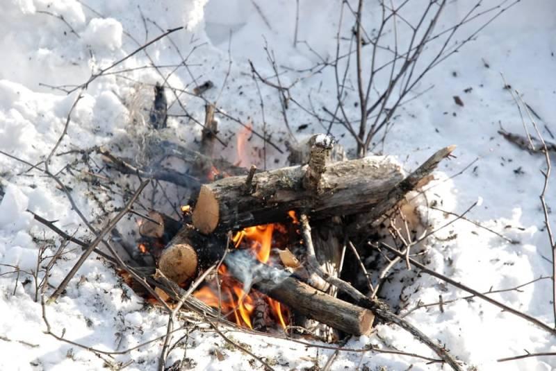 Ein Feuer bedeutet Überleben – die Fähigkeit eines zu entzünden ist essentiell