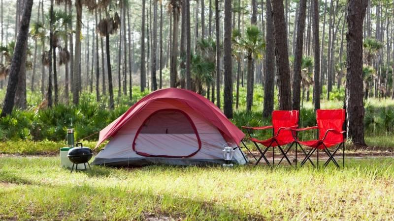 Ist Camping wirklich günstiger als ein Hotel? [+Beispiel]