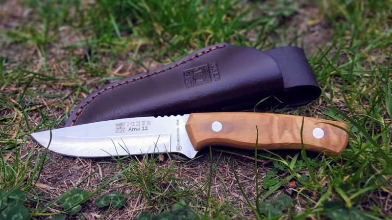 Das Joker Arrui 12 Outdoor-Messer im Review und Test