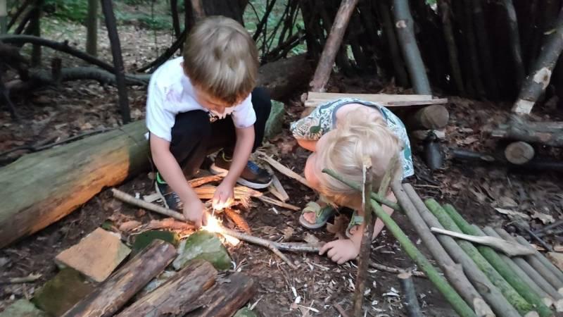 Selbst Kinder können mit dem Feuerstahl Funken erzeugen