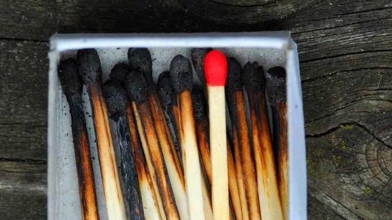 Wie du mit nur einem Streichholz ein Feuer entzündest
