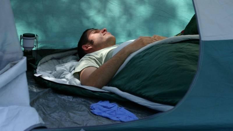 Tief Schlafen, ausgeruht aufwachen – die wichtigste Fähigkeit eines Waldläufers
