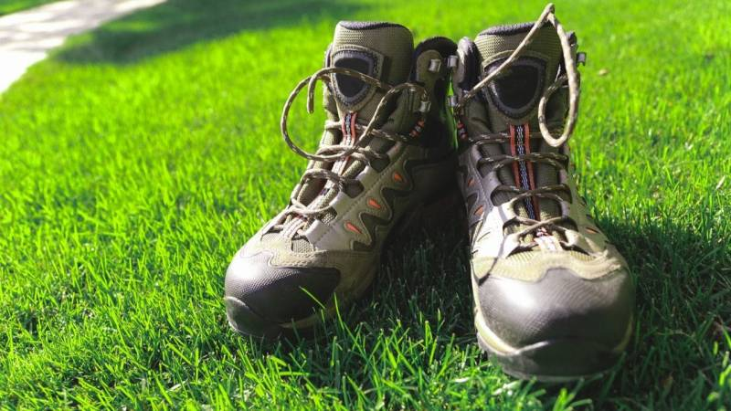 Robuste und wasserfeste Schuhe gehören zu jeder Ausrüstung