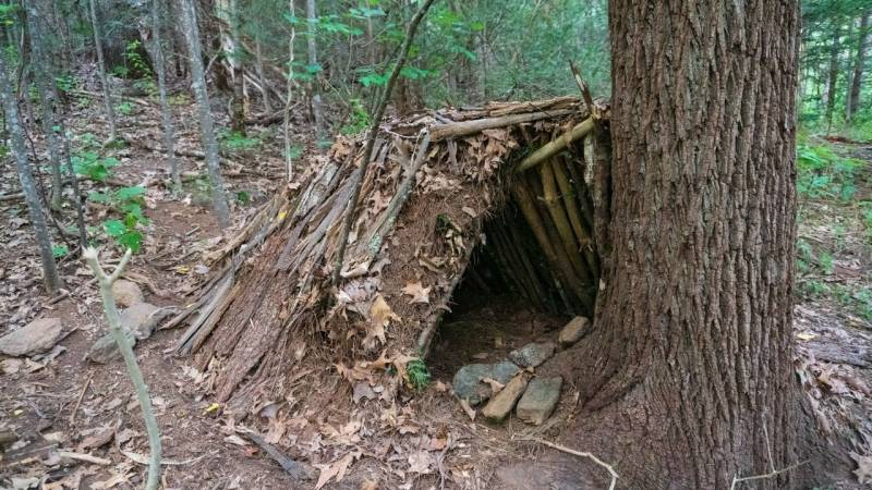Im Notfall musst du ein einfaches Shelter bauen können