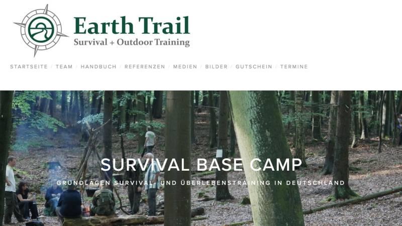 Survival Base Camp von Earth Trail