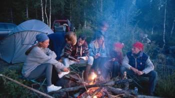 5 besten Tipps für das Zelten mit einer großen Gruppe