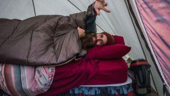 Mit diesen Tipps schläfst du am besten im Zelt [Tipps]