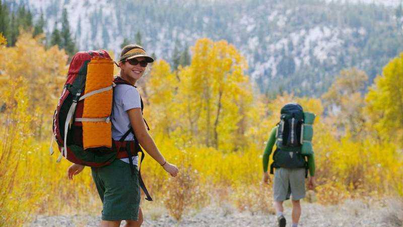 Leg los mit einem Tagesausflug in die Natur - dann such dir ein Camp