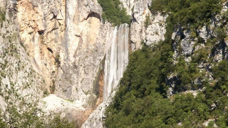 Der Wasserfall Boka in Slowenien