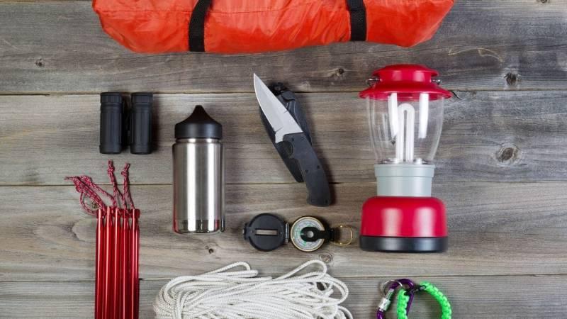 Packe die richtige Ausrüstung ein für deinen Wildcamping-Ausflug